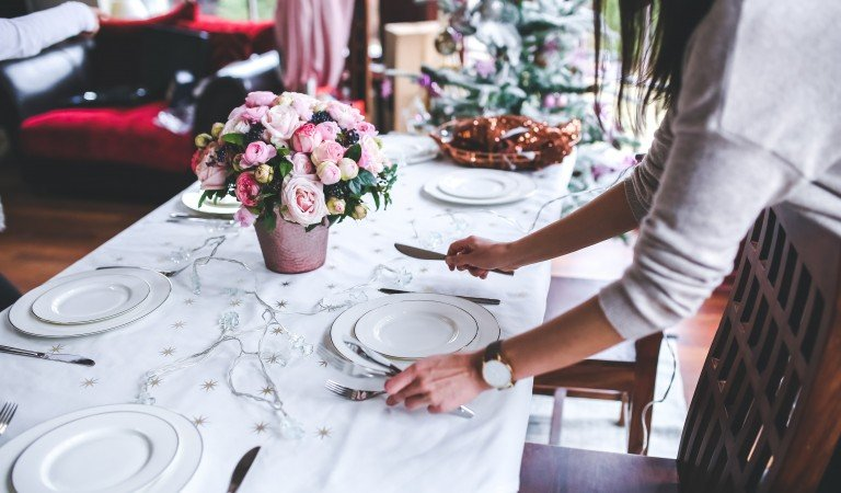 How To Organise A Garden Party