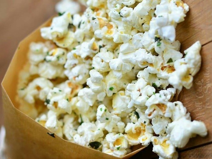10 Easy-Peasy Snacks For Your House Party