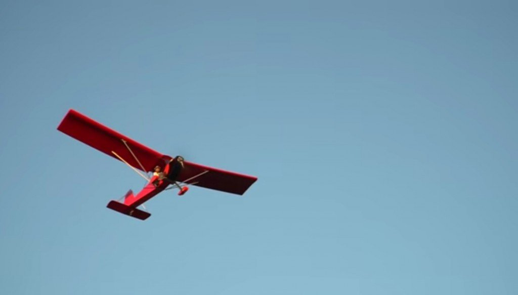 Airplane Clipart From The 90s Make A Comeback With This Homemade Electric Plane