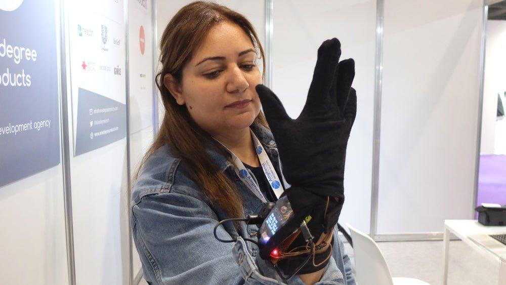 smart gloves for hand gesture recognition